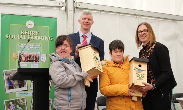 Antoinette pictured with fellow participant Bronagh, and Paul Geraghty and Lisa Keveney from the department